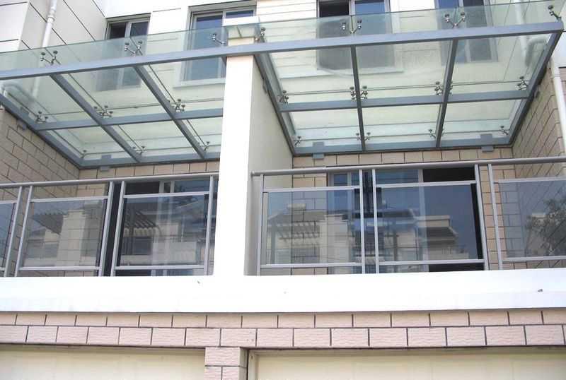 阳台玻璃栏杆装修效果图